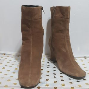 BANDOLINO DBBecca Suede Tan Wedge Ankle Boots 8M